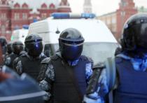 Один из петербургских машиностроительных заводов заключил договор с компаниями-партнерами на разработку бронированной машины для разгона протестующих во время незаконных акций и ликвидации последствий чрезвычайных ситуаций