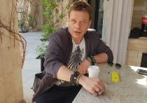 С актером Павлом Майковым, которого зрители знают по легендарной «Бригаде», мы встретились в респектабельном подмосковном поселке на съемках фильма «Чиновник»