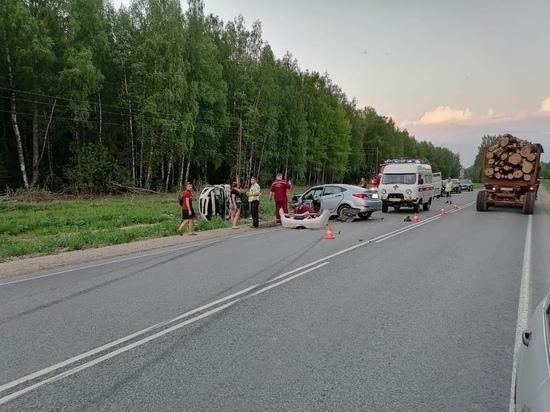 В Кировской области «Шевроле Авео» въехал  в «Солярис»: двое погибли