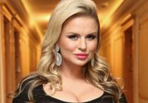 Анна Семенович решила покинуть Россию