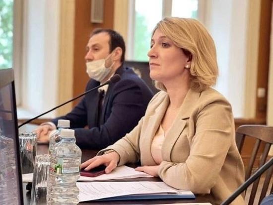 Глава Серпухова встретилась с коллективом крупнейшего завода округа