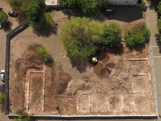 Во дворе курганской Усадьбы Бакинова археологи вскроют несколько исторических слоев