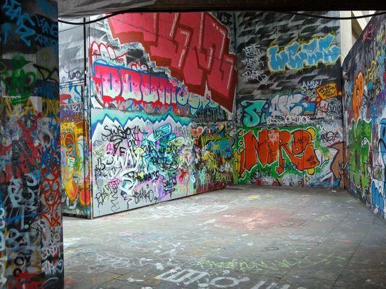 В Петербурге поставят легальную стену для граффити