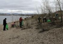 Читинцы вышли на уборку берега озера Кенона