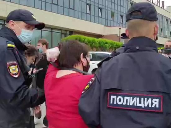 НаЗемском съезде вВеликом Новгороде начались задержания