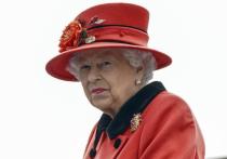 Королеву Елизавету II глубоко опечалили скандальные признания принца Гарри