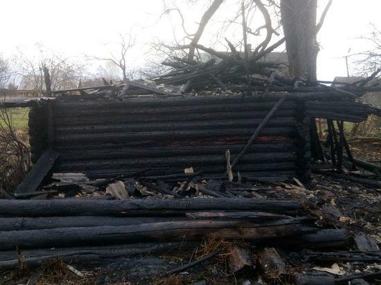 Четыре человека получили ожоги при пожаре под Северодвинском