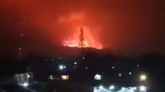 В Конго сотни людей бегут от разрушительного извержения вулкана: видео