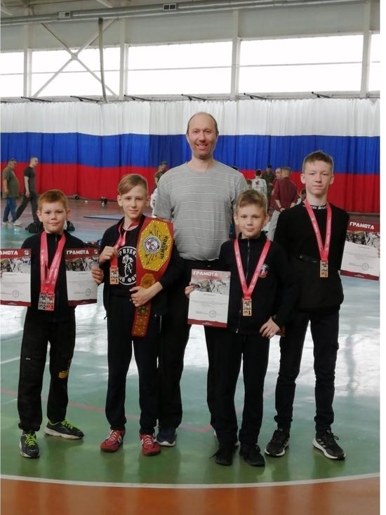 Спортсмен из Серпухова завоевал пояс чемпиона на соревнованиях по АРБ
