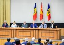 Жители Молдовы назвали Воронина и Додона лучшими президенты страны