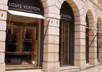 Президент Louis Vuitton стал самым богатым человеком в мире