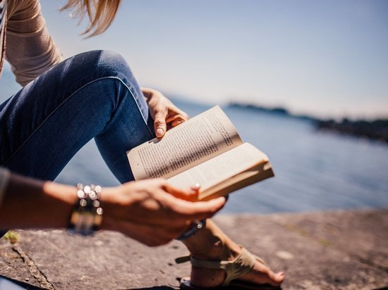 Программу летнего чтения «Время книжных открытий» подготовили для псковских школьников