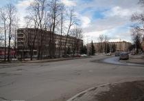 Владимир Любарский отказался от персонального транспорта в пользу поликлиник
