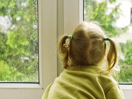 В Архангельске произошло очередное выпадение ребёнка из окна