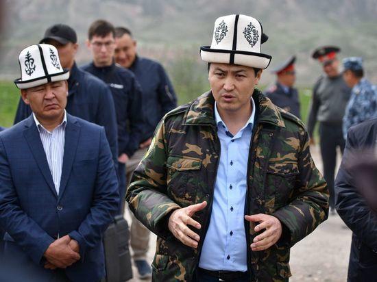 Кыргызстан перекрывает границу с Таджикистаном