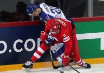 Чемпионат мира в Риге продолжает удивлять. После того, как вчера финны проиграли сборной Казахстана, а шведы белорусам, неприятный сюрприз своим болельщикам решила преподнести и сборная России. После двух красивых побед на старте турнира, россияне не смогли ничего противопоставить скромной, но организованной сборной Словакии, для которой эта победа стала уже третьей подряд.