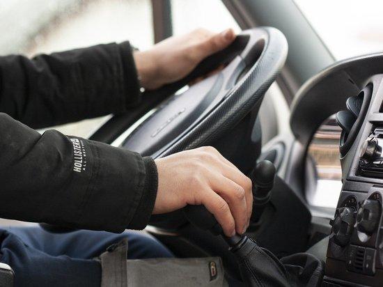В Кирове только выстрелы колесам остановили пьяного водителя