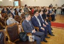 В здании одного из старейших вузов России, Казанском университете собрались ученые, студенты, общественные деятели для обсуждения перспектив научной работы