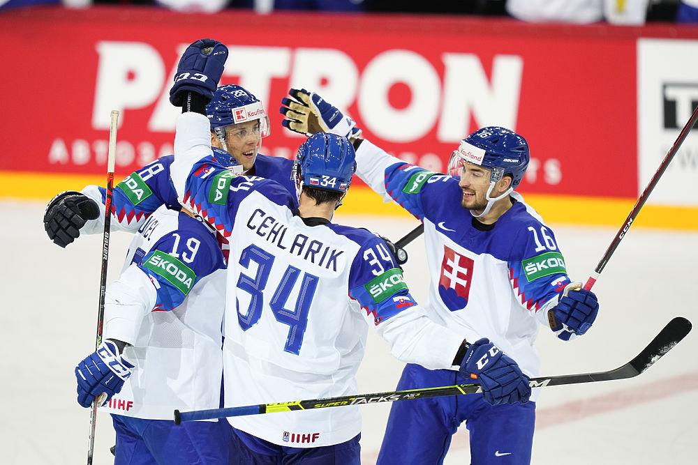 На чемпионате мира по хоккею фавориты проигрывают вообще всем подряд