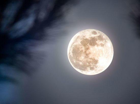 Редкое лунное затмение ожидает петербуржцев 26 мая