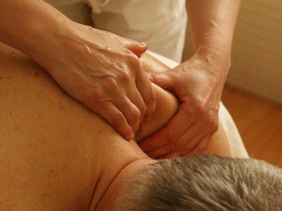 Злоумышленник дал клиенту пилюлю под предлогом расслабления мышц спины