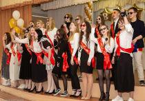 В школах Петрозаводска звучат последние звонки
