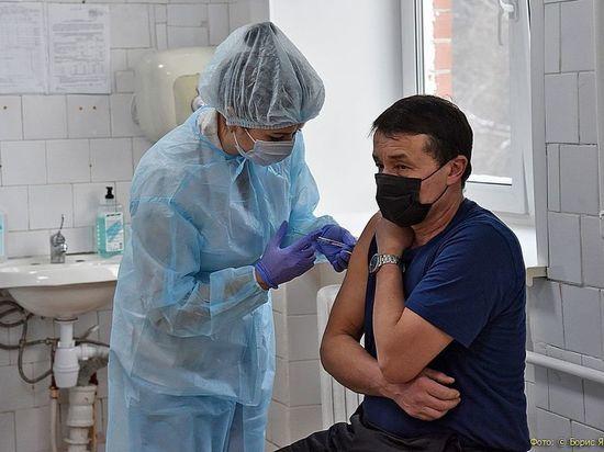 Больше 350 тысяч свердловчан уже завершили курс вакцинации от COVID-19