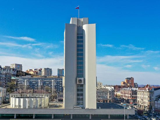 Губернатор Приморья зарабатывает 2 млн рублей в месяц
