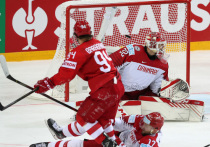 """Сборная России после неожиданного поражения от словаков одержала запланированную победу над не самой сильной командой Дании. """"МК-Спорт"""" отмечает, насколько такая победа была нужна, но приходит к выводу, что многие вопросы она так и не сняла."""