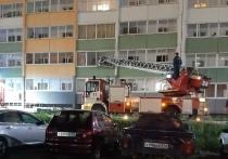 В Челябинске наркоман устроил пожар в многоэтажке, один человек погиб