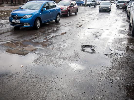Наиболее проблемные дороги прошлого года назвал псковский губернатор