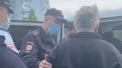 Задержание старшего по дому, выступившего против вырубки деревьев