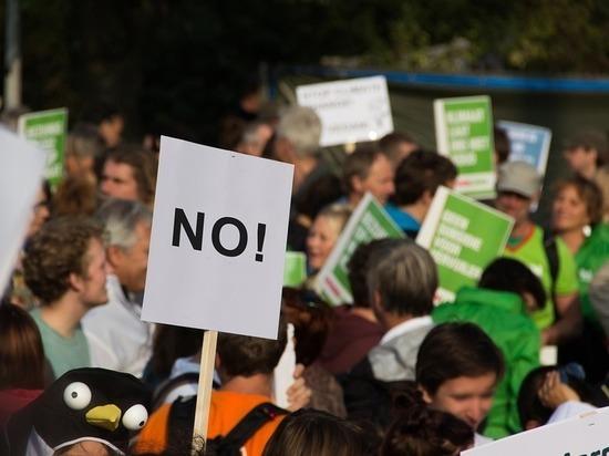 Германия: Рейхстаг хотят оградить законом