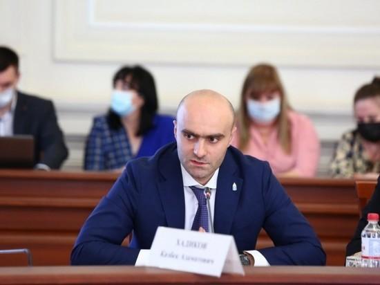 В Астраханской области Казбек Хадиков покидает Минэк