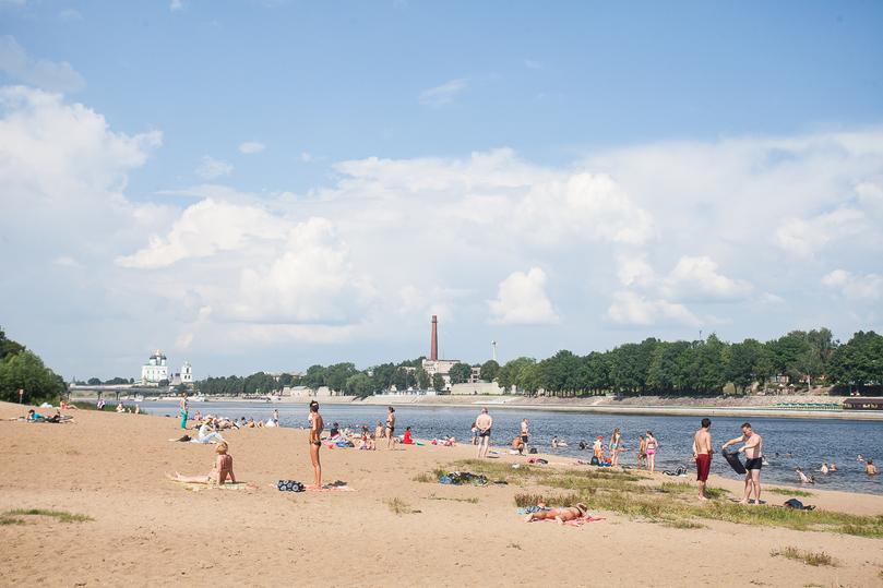 В Псковской области только одному пляжу пока разрешили официально работать , фото-2