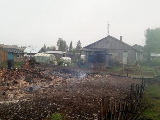 В Плесецком районе пожаром уничтожен жилой дом