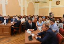 Депутаты Барнаульской городской Думы утвердили кандидатуру Юрия Асеева на должность главы Октябрьского района.