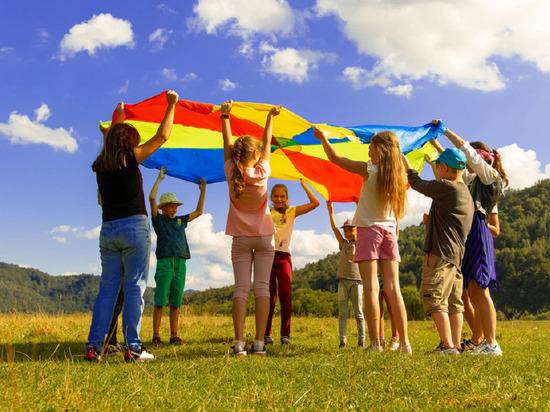 Волгоградцы смогут вернуть до 50% стоимости путевки в детский лагерь