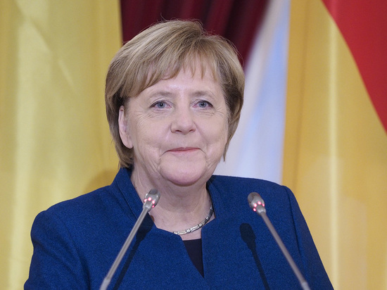 Германия: Канцлер Ангела Меркель за вакцинацию детей