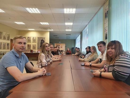 Проведение общественных приемных Молодежного парламента возобновили в Серпухове