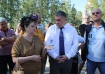 Глава Калининского района Челябинска проверил ход работ по благоустройству территории возле ЛА