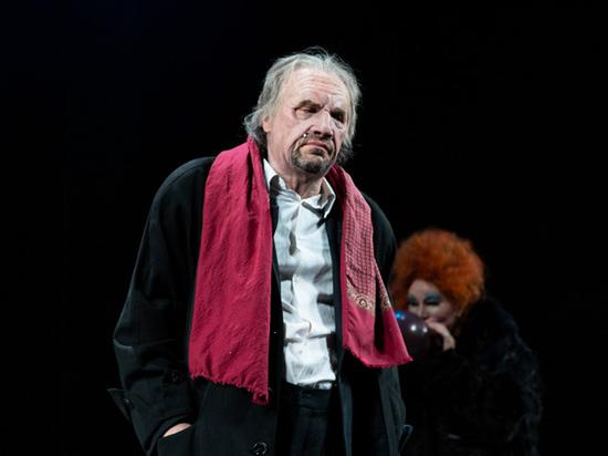 В «Мастерской Петра Фоменко» он три часа играет в Дон Жуана