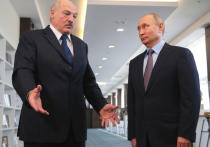 Центром вселенной, солнцем, вокруг которого вращаются такие «мелкие политические деятели» как Путин и Байден, явно начал ощущать себя Александр Лукашенко после вынужденной посадки иностранного самолета в Минске