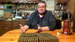 Россиянин собрал 38700 рублей монетами и понес в банк: видео