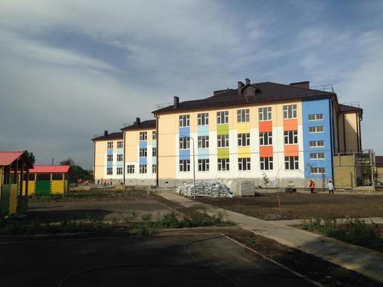 В Астрахани завершается строительство нового детского сада