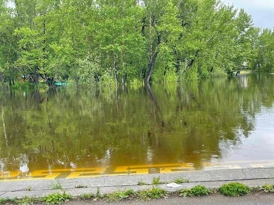 В столице Тувы подтопило территорию парка