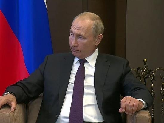 Российский лидер дал понять, что не бросит Лукашенко