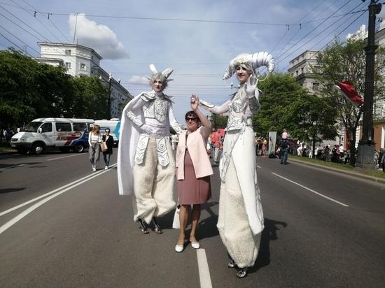 В Хабаровске вторые сутки отмечают День города