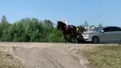 В Башкирии иномарка протаранила телегу с людьми