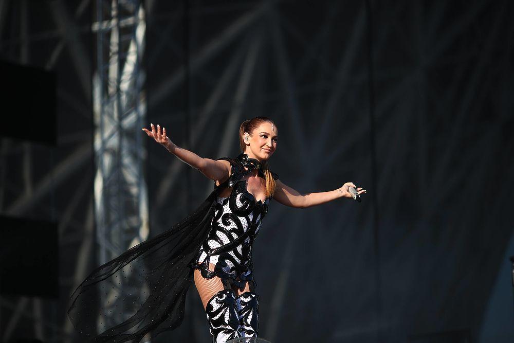 Подарки Милохина и обида Бузовой: в Волгограде прошел ParkSeason Fest